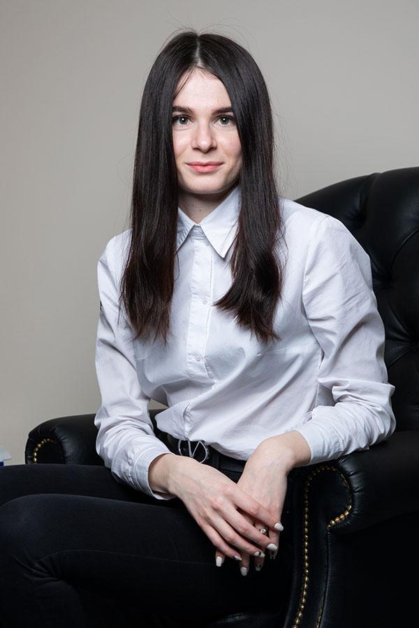 admin-elena-min
